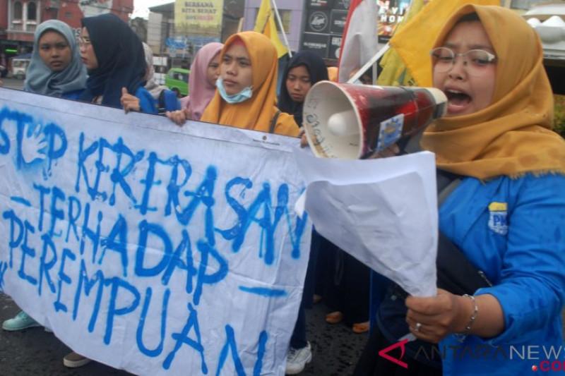 Jalan panjang perempuan korban kekerasan cari keadilan