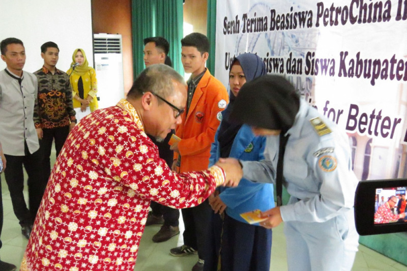 116 mahasiswa-pelajar Tanjabtim terima beasiswa SKK Migas-PetroChina