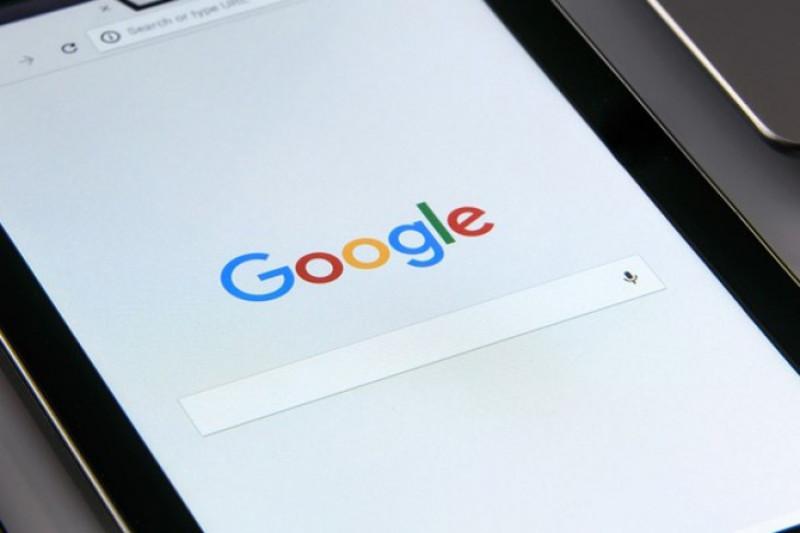 """Berhenti cari tahu gejala penyakit lewat """"Googling"""""""