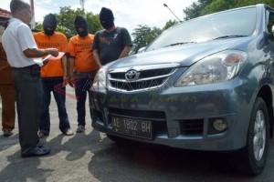 Polres Madiun Tangkap Pelaku Penggelapan Mobil