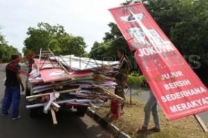 Panwaslu Sampang Minta Tim Capres-Cawapres Turunkan Alat Peraga
