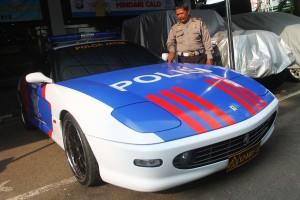 Mobil Patwal Ferrari Polda Jatim