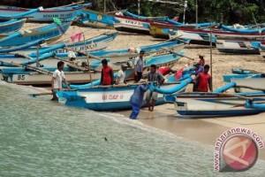 Ribuan Kapal Nelayan Kabupaten Malang Diremajakan