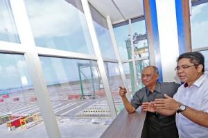 Kepala BKPM Kunjungi Teluk Lamong