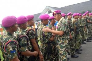 Pisah Komandan Batalyon Intai Amfibi-1