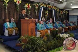 Pemkot Madiun Nikahkan Tujuh Pasang Pengantin