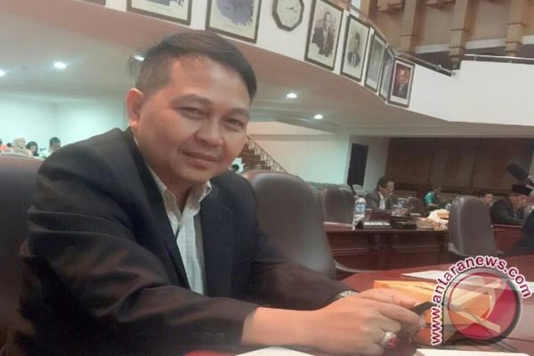 DPRD Surabaya Minta Penertiban PKL Nginden Ditunda