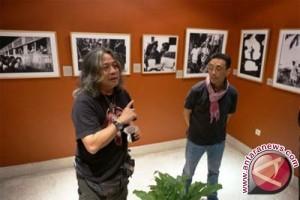 Kemdikbud Beri Penghargaan Kebudayaan kepada Oscar Motulloh