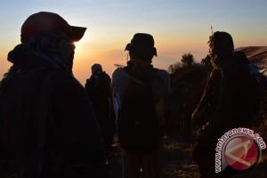 Sunrise Puncak Lawu