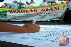 Fatayat NU Jember Demo Tolak Kekerasan terhadap Perempuan-Anak
