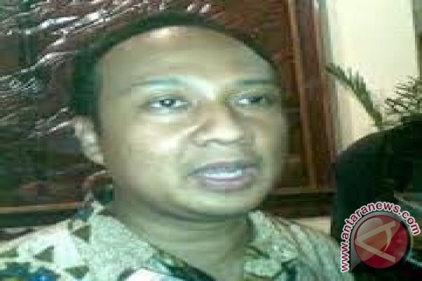 Warga Surabaya Manfaatkan Pelayanan Kependudukan e-Lampid