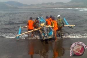 Tim SAR Temukan Wisatawan Hilang di Pantai Payangan Jember