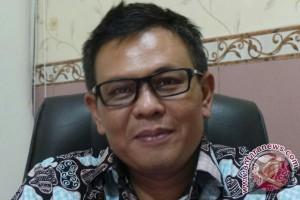 Masih Banyak Reklame Tak Berizin di Surabaya