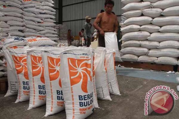 Bulog Madiun Targetkan Serap 33.000 Ton Beras
