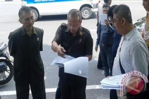 Hakim PN Surabaya Tinjau Lokasi Sengketa Tanah