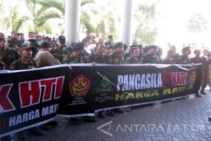 GP Ansor Demo Tuntut Pembubaran HTI Jember