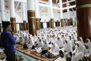 Ribuan Warga Surabaya Ikuti Gerakan Nusantara Mengaji