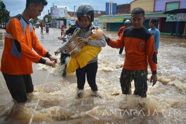 BPBD Pasuruan Siagakan Perahu Karet Antisipasi Banjir