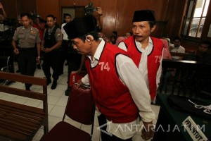 Putusan Kasus Pembunuhan Salim Kancil