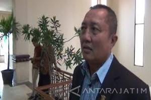 Komisi D : Raperda Rokok Dikembalikan ke Pemkot