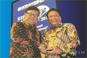 Bupati Sambari Raih Penghargaan Kepala Daerah Paling Inovatif