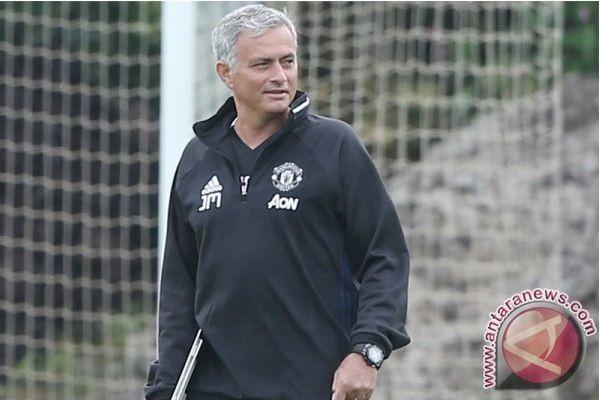 Mourinho: Transfer Sanchez Belum Selesai