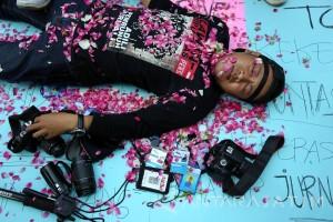 Aksi Jurnalis Tolak Kekerasan