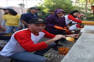 Wali Kota Risma Dukung Pengecatan Kampung Nelayan