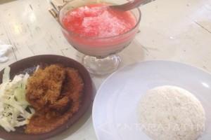 Nikmatnya Ayam Kremes dengan Sambal Durian