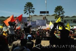 Ratusan Petani Jember Tuntut Redistribusi Tanah Sengketa