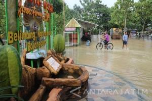 Objek Wisata Belimbing Bojonegoro Tetap Layani Pengunjung
