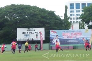 IKIP Budi Utomo Malang Juara Piala Bude Karwo