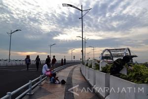 Wisata Jembatan Suroboyo