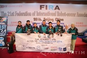 Robot Ichiro ITS Juara Umum di Beijing