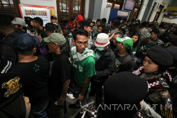 Bonek akan Doa Bersama di Bandung