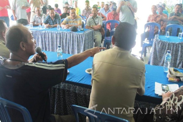 Warga Kalidawir Pertanyakan Pembagian Uang Rp1,2 Juta