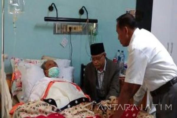 Ketua Umum PP Muhammadiyah Besuk KH Hasyim Muzadi