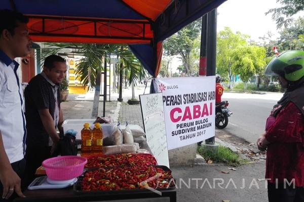 Bulog Madiun Gelar Operasi Pasar Cabai Rawit