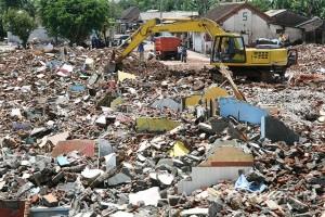 Pembersihan Puing Bangunan Eks Lokalisasi