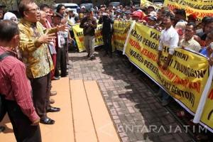 Gunakan Dokumen Palsu, TNI Polisikan Eggy Sudjana
