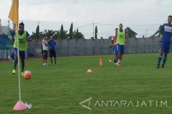 Pelatih: Madura United Masih Berpeluang Lolos Piala Presiden