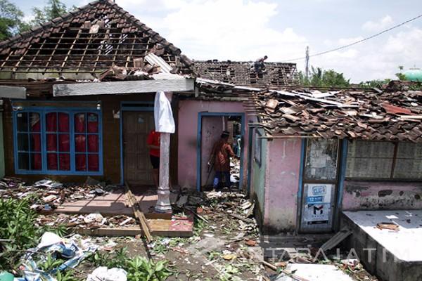 Ratusan Rumah Warga Malang Rusak Diterjang Puting Beliung