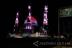 Menikmati Megahnya Masjid Islamic Center Mataram