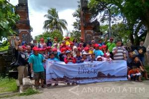 Belajar Kerukunan dan Keberagaman di Pura Lingsar (Video)
