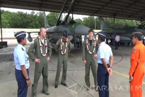 Dua Pesawat Tempur F-16 Hibah Tiba di Magetan