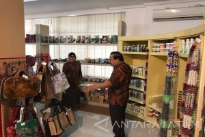 Pakde Karwo Fokus Turunkan Angka Kemiskinan