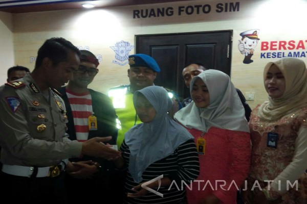 Polres Sampang Gratiskan Pembuatan SIM di Hari Kartini