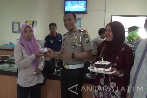 Polres Madiun Gratiskan Pegurusan SIM Bertanggal Kartini