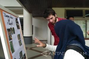 Mahasiswa Austria Pamerkan Potret Kehidupan Kampung Surabaya