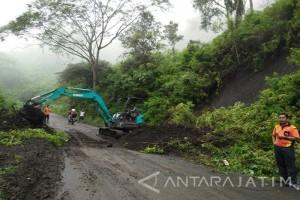 Jalur ke Gunung Ijen Bondowoso Rawan Longsor, Masyarakat Diminta Waspada